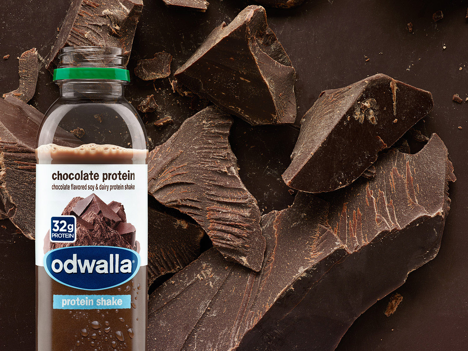 Odwalla_15oz_chocolate_02_Droplets-small